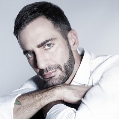 Le styliste Marc Jacobs aime