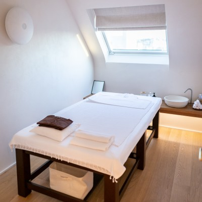 Rendez-vous au septième ciel pour massage Thaï, réflexologie, hammam