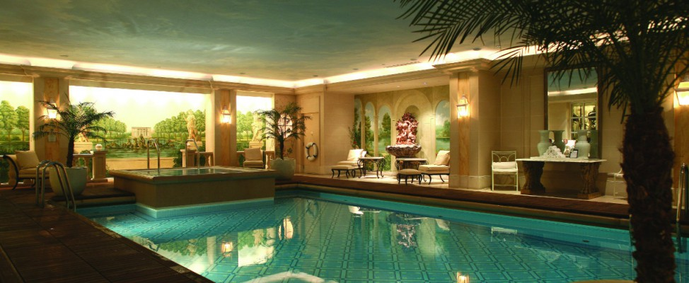 Spa four seasons h tel george v paris for Hotel autour de moi